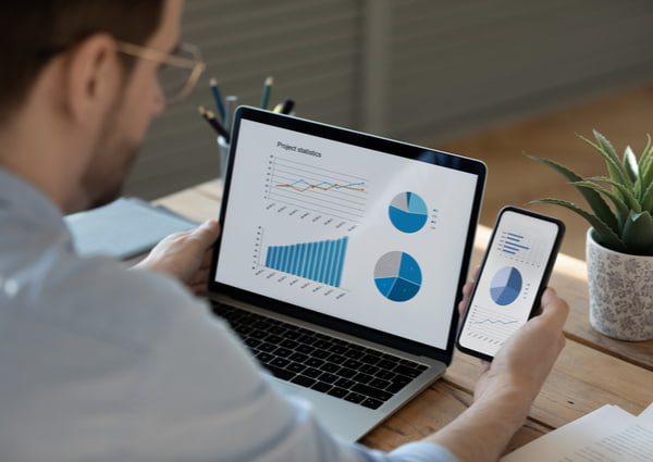 Businessman working with statistic